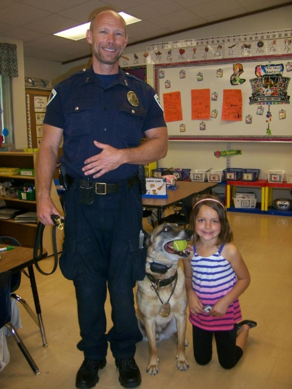Police Officer Jim Donnell and K9 Johnny - School